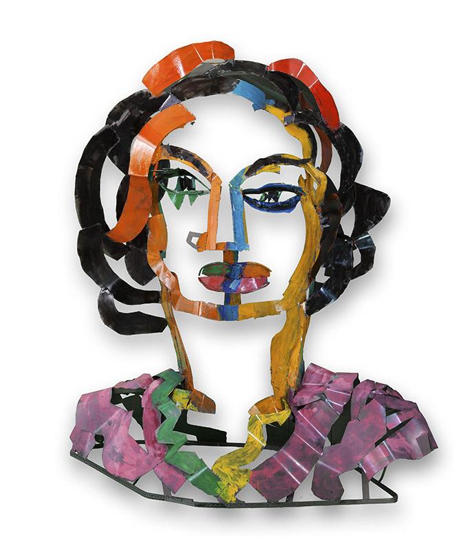 Mujer bonita | Hierro pintado. 280 x 250 x 120 cm. 2018
